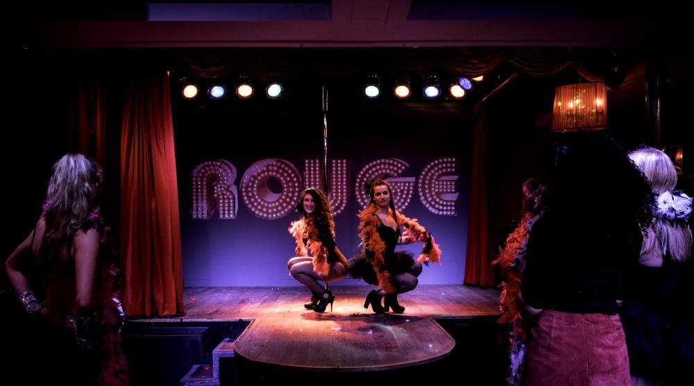 Slide 2: Workshop Burlesque Bedrijfsuitje