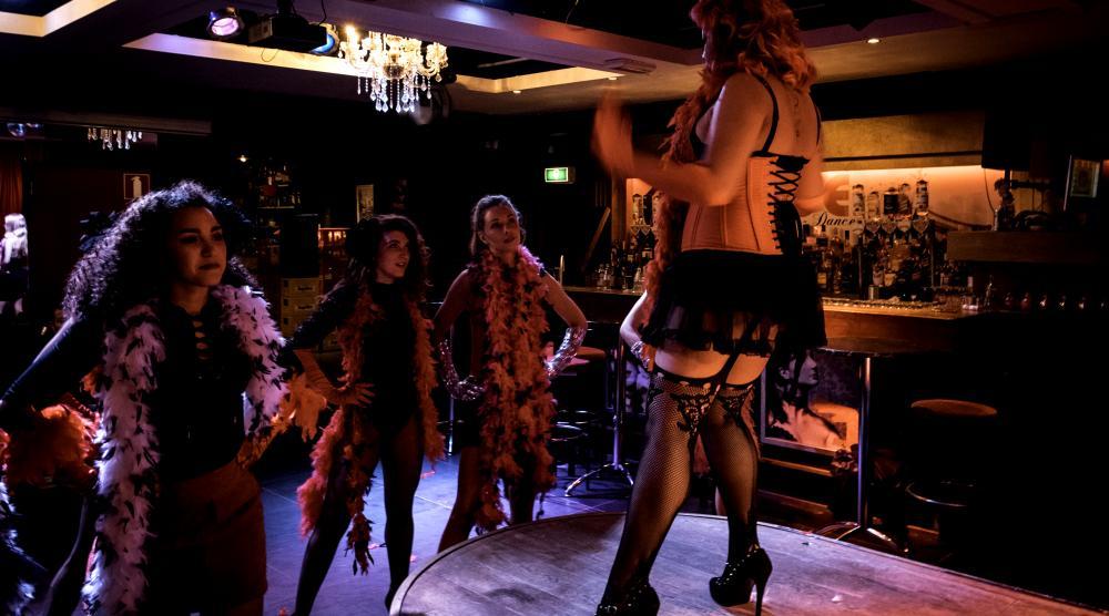 Slide 2: Workshop Burlesque